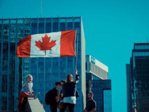 Bandera de canadá en Vancouver